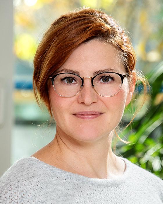 Dr. Jasmin Löw